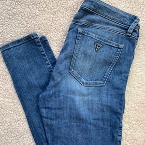 Guess Brittany skinny jean size 30